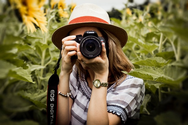 Best Gift for Girlfriend in India - Camera