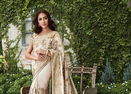 Best Gift for Girlfriend in India - Saree