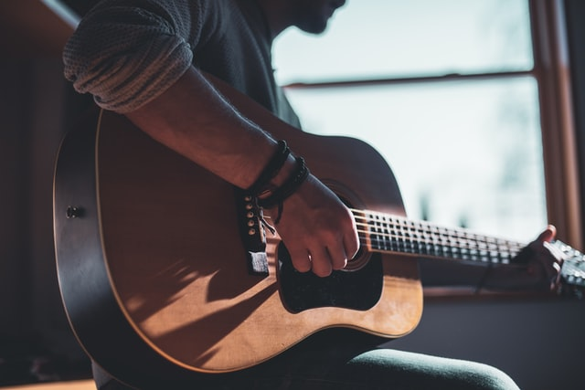 Best Useful Gift Ideas For Your Boyfriend - Music Instrument